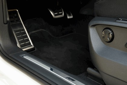 2018 Volkswagen Tiguan R-Line - USA version 10