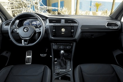 2018 Volkswagen Tiguan R-Line - USA version 11