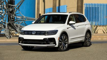 2018 Volkswagen Tiguan R-Line - USA version 3