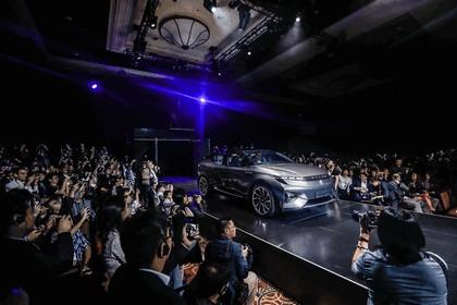 2018 Byton SUV concept 24