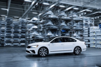 2018 Volkswagen Passat GT - USA version 1