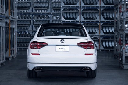 2018 Volkswagen Passat GT - USA version 8