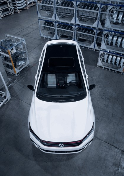 2018 Volkswagen Passat GT - USA version 9