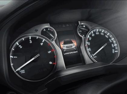 2017 Toyota Land Cruiser 25
