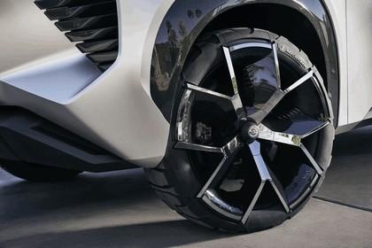 2018 Nissan Xmotion concept 21