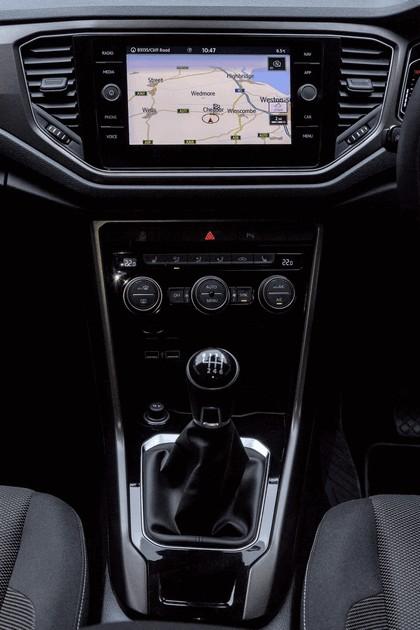 2018 Volkswagen T-Roc - UK version 73