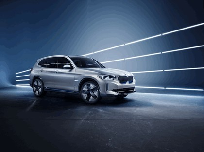 2018 BMW Concept iX3 1
