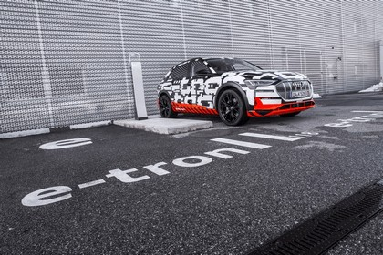 2018 Audi e-tron prototype 13