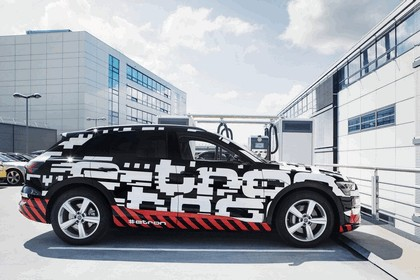 2018 Audi e-tron prototype 14