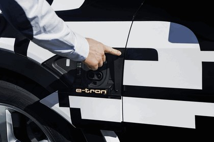 2018 Audi e-tron prototype 25