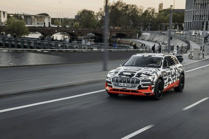 2018 Audi e-tron prototype 64