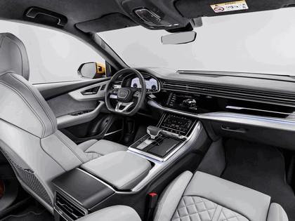 2018 Audi Q8 24