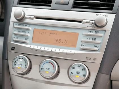 2007 Toyota Camry SE 32