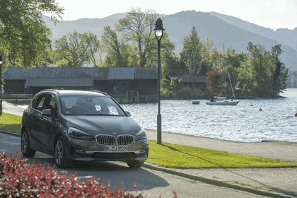 2018 BMW 218i Active Tourer 2