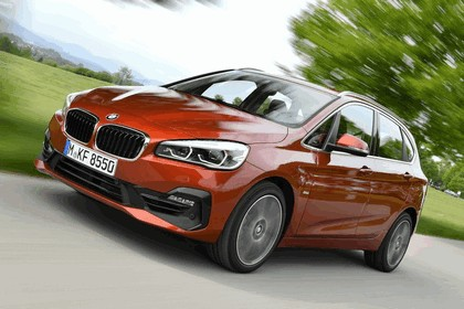 2018 BMW 218i Active Tourer 38