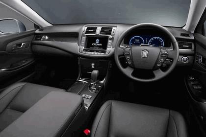 2007 Toyota Crown hybrid concept 6