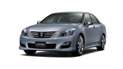 2007 Toyota Crown hybrid concept 9