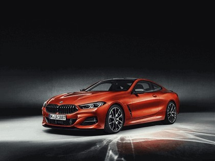 2018 BMW 8er ( G15 ) coupé with optional carbon package 4