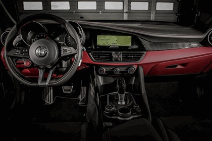 2018 Alfa Romeo Giulia Quadrifoglio Nring 17