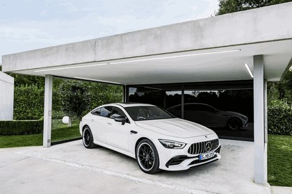 2018 Mercedes-AMG GT 4-door coupé 22