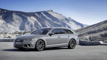 2018 Audi A4 Avant 11