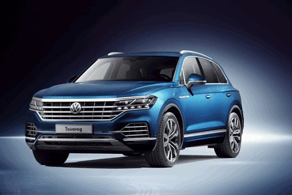 2018 Volkswagen Touareg 1