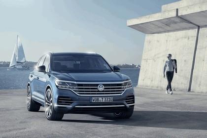 2018 Volkswagen Touareg 5