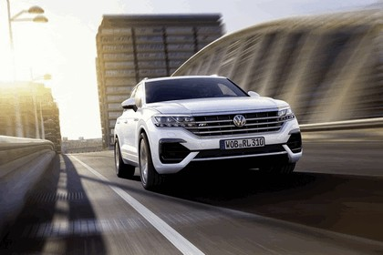 2018 Volkswagen Touareg 14