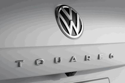 2018 Volkswagen Touareg 19