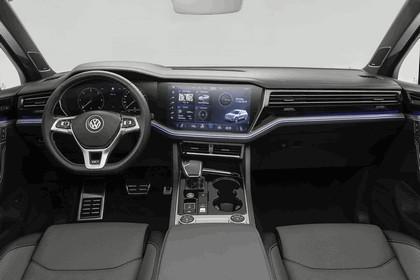 2018 Volkswagen Touareg 23