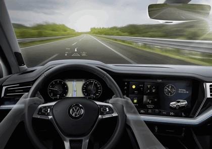 2018 Volkswagen Touareg 31
