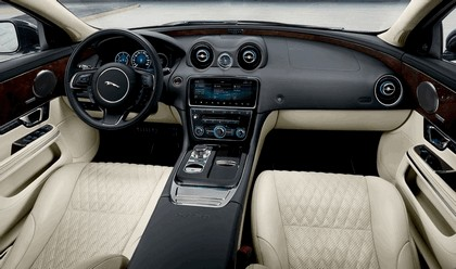 2018 Jaguar XJ 50 9