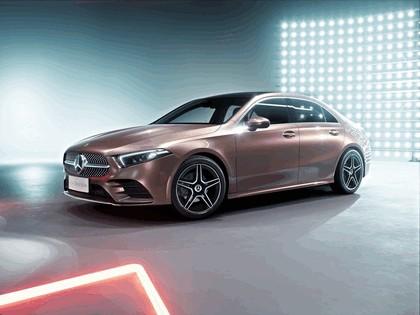 2018 Mercedes-Benz A-klasse L sport sedan 1