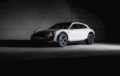 2018 Porsche Mission E Cross Turismo concept 7