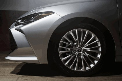 2018 Toyota Avalon Limited Hybrid 7