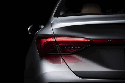 2018 Toyota Avalon Limited Hybrid 11