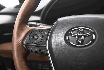 2018 Toyota Avalon Limited Hybrid 16