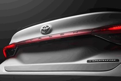 2018 Toyota Avalon Touring 17