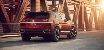 2018 Volkswagen Atlas Cross Sport concept 2