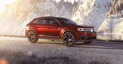 2018 Volkswagen Atlas Cross Sport concept 4