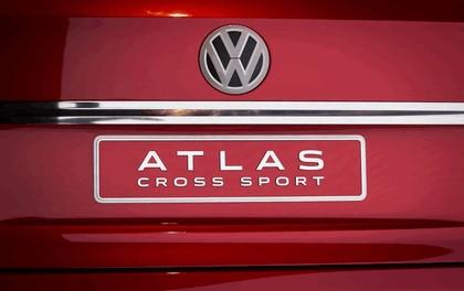 2018 Volkswagen Atlas Cross Sport concept 9