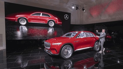 2018 Mercedes-Maybach Ultimate Luxury Vision 10