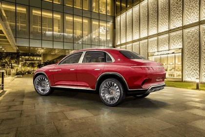 2018 Mercedes-Maybach Ultimate Luxury Vision 24