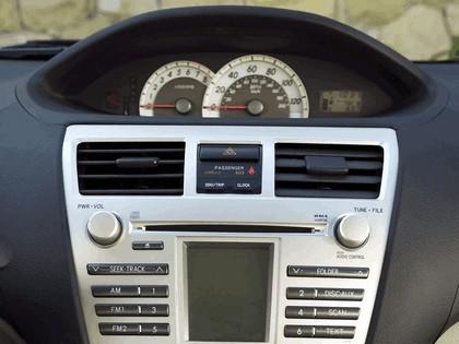 2007 Toyota Yaris Sedan 14