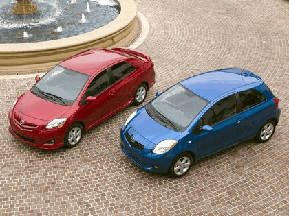 2007 Toyota Yaris Sedan S 12