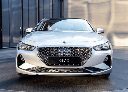 2019 Genesis G70 17