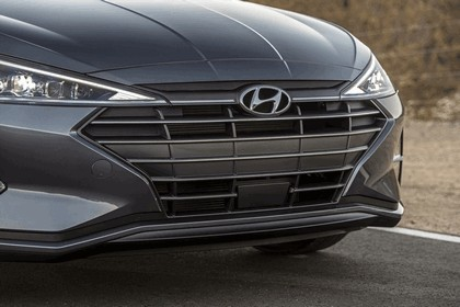 2019 Hyundai Elantra 10
