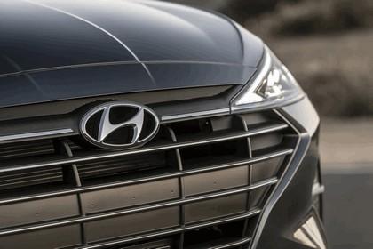2019 Hyundai Elantra 12