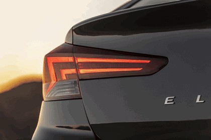 2019 Hyundai Elantra 20