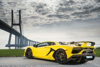 2018 Lamborghini Aventador SVJ 38